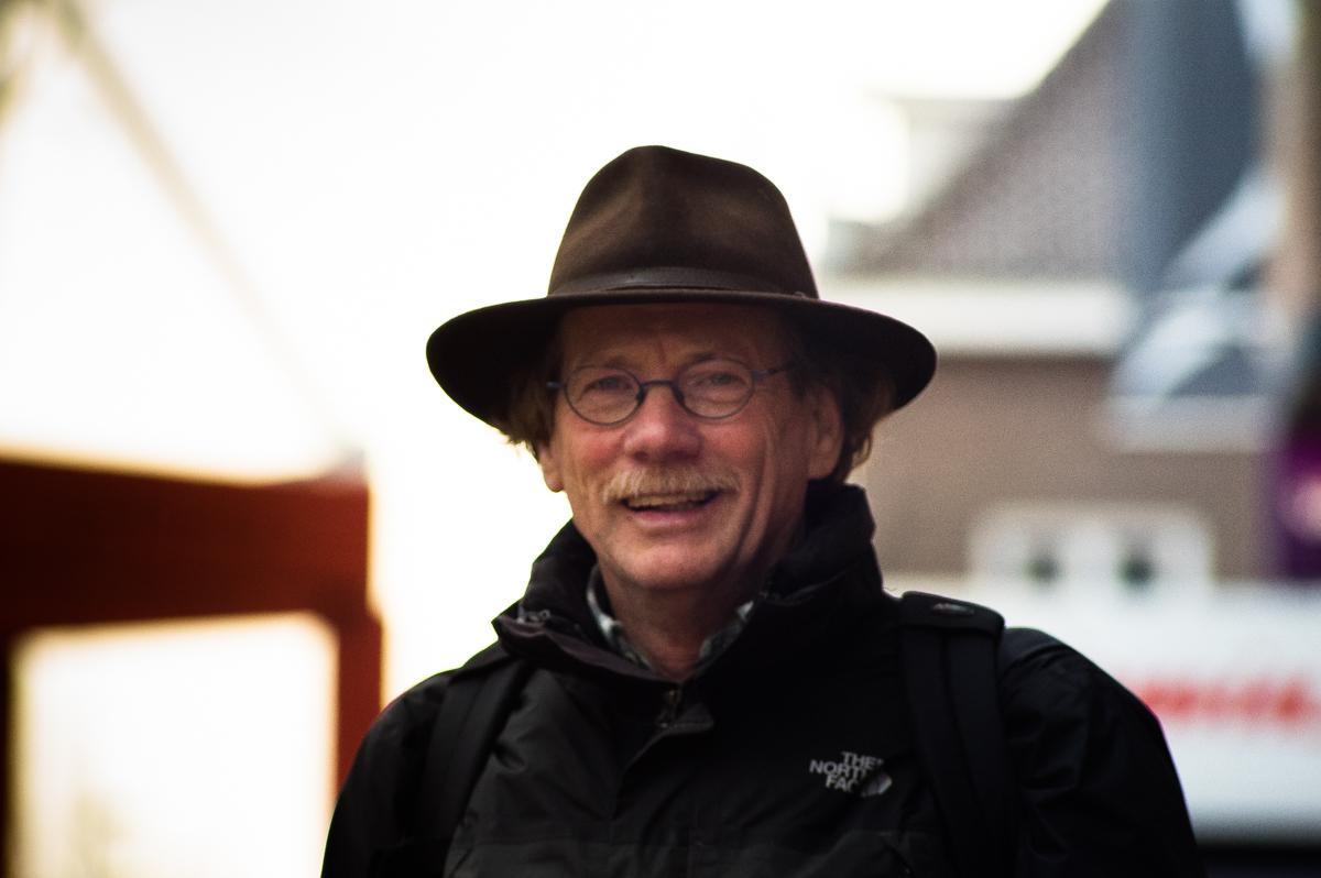 Hans van Sterkenburg in het portret van Drachten door Jeffrey Wakanno